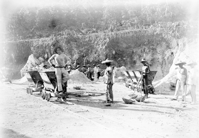 Chinese migrant workers, otherwise known as 'coolies', at one of the phosphate mines on Christmas Island. Photograph taken in 1911. (National Archives of Australia, R32 CIPC 3/54B)